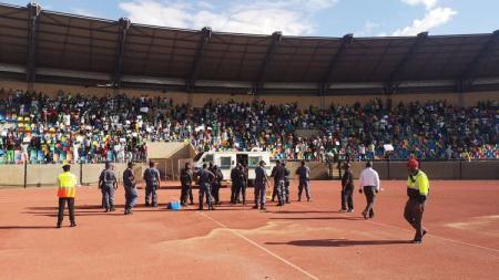 Liga Afrika Selatan Bloemfontein Celtic vs Cape Town City berlangsung rusuh. - INDOSPORT