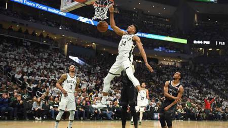 Milwaukee Bucks mengalami kekalahan melawan Miami Heat. Sementara di laga lain Toronto Raptors mampu menang besar. - INDOSPORT