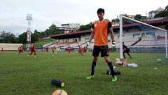 Indosport - Kiper Persidago Gorontalo, Mario Fabio Londok yang didatangkan oleh tim Persipura Jayapura untuk menjalani trial