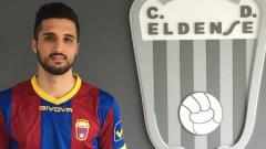 Indosport - David Azin ketika masih membela CD Eldense.