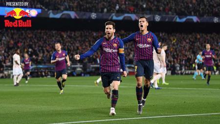 Lionel Messi dan Philippe Coutinho melakukan selebrasi usai mencetak gol ke gawang Manchester United. - INDOSPORT