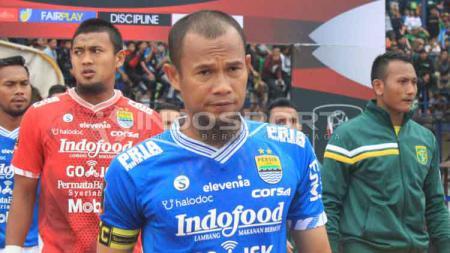 Kapten Persib, Supardi Nasir saat pertandingan Piala Presiden 2019 menghadapi Persebaya Surabaya, 7 Maret 2019. - INDOSPORT