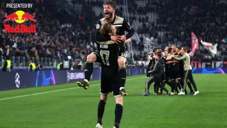 Daley Blind dan Lasse Schone meluapkan kegembiraan usai lolos ke semifinal Liga Champions. - INDOSPORT