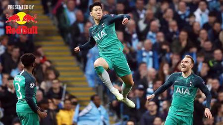 Selebrasi Son Heung-min usai cetak gol ke gawang Manchester City. Foto: LINDSEY PARNABY/AFP/Getty Images - INDOSPORT
