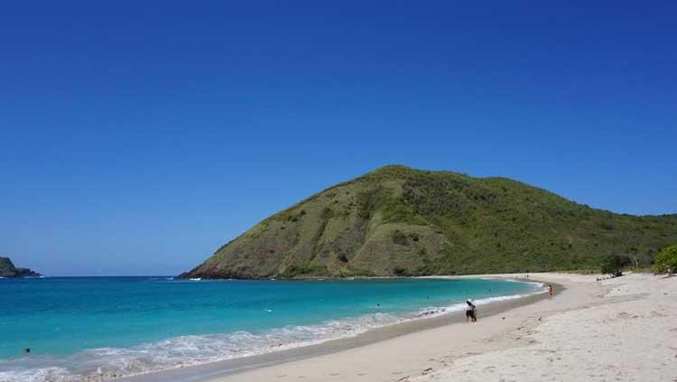 Keindahaan Pantai Tanjung Aan di Lombok Copyright: Tempat Wisata di Lombok