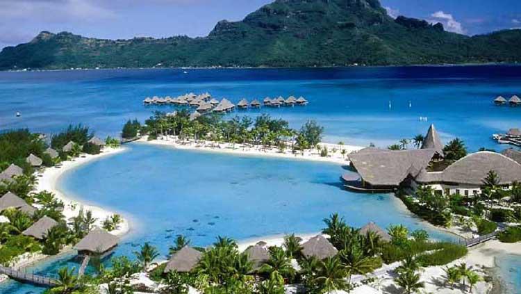 Pantai Kuta Lombok Copyright: ayokelombok.com