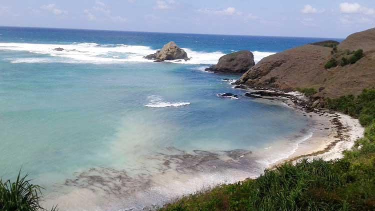 Pantai Serenting di Lombok Copyright: Kabar Wisata