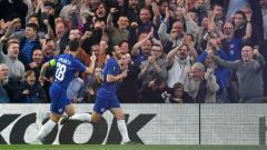 Indosport - Selebrasi Pedro usai cetak gol ke gawang Slavia Praha di perempatfinal Liga Europa 2018/19, Jumat (19/04/19), di Stamford Bridge.