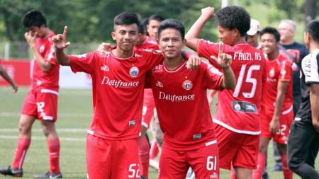 Dua pemain Tim Persija Jakarta U-18, Fikri Irvanuddin dan Muhammad Rifqi Adira mendapat panggilan untuk mengikuti seleksi Timnas Indonesia U-18 besutan pelatih Fakhri Husaini. Foto: Media Persija - INDOSPORT