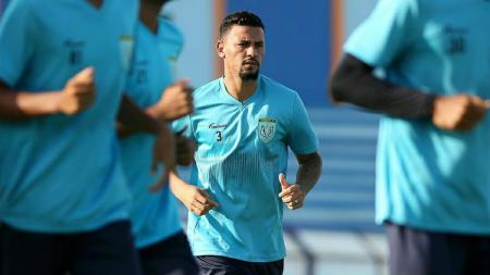 Alex Goncalves, rekrutan baru Persela pada bursa transfer jelang Liga 1 2019, telah jalani sesi latihan. - INDOSPORT