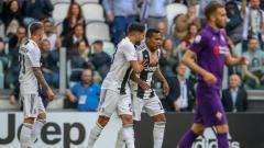 Indosport - Pemain Juventus, Alex Sandro, mencetak gol ke gawang Fiorentina, Minggu (21/04/19), di Allianz Stadium..