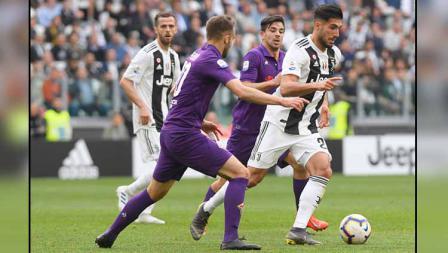 Duel pemain Juventus vs Fiorentina di Serie A Italia 2018-19 pekan ke-33.