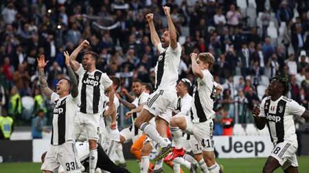 Selebrasi para pemain Juventus setelah memastikan gelar juara Serie A Italia 2018/19. - INDOSPORT