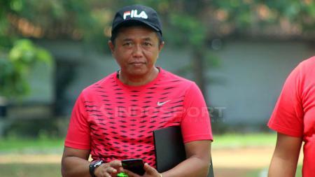 Agus Yuwono menilai permainan Madura FC jauh dari ekspektasi saat kalah 0-2 dari Persik Kediri di Liga 2 2019. - INDOSPORT