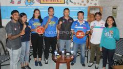 Indosport - Suasana konferensi pers playoff Srikandi Cup. Ronald Seger/INDOSPORT.COM