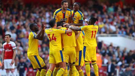 Aksi selebrasi para pemain Crystal Palace usai memenangkan laga melawan Arsenal dengan skor 3-2 di Emirates Stadium, Senin 21/04/19. Warren Little/Getty Images