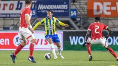 Indosport - Ezra Walian kurang lebih sudah 10 tahun menjadi pemain sepak bola di Eropa sebelum resmi bergabung dengan PSM Makassar.