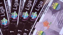 Indosport - Tiket saat laga Persib Bandung vs PS TNI Liga 1.