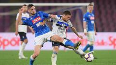 Indosport - Klub sepak bola LaLiga Spanyol, Real Madrid, dilaporkan telah memulai negosiasi dengan Napoli terkait gelandang muda potensial, Fabian Ruiz.