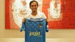 Indosport - Ichsan Pratama saat diperkenal PSIM Yogyakarta kepada media