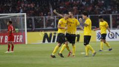 Indosport - Aksi selebrasi pemain Ceres Negros usai mempermalukan Persija di GBK. Herry Ibrahim/INDOSPORT