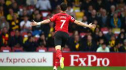 Shane Long mencatat gol tercepat di Liga Primer Inggris dalam waktu 7,69 detik.