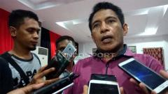 Indosport - Asisten Manajer Persipura Jayapura, Bento Madubun. Foto: Sudjarwo/INDOSPORT