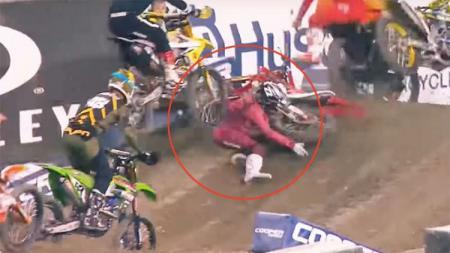 Chad Reed, pembalap motorcross yang mengalami cedera parah usai terlibat kecelakaan horor. - INDOSPORT