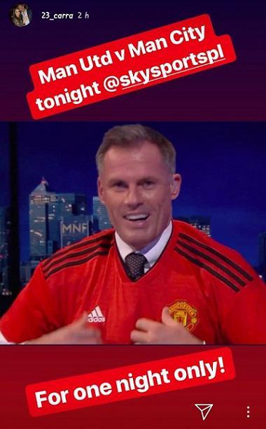Jamie Carragher terlihat menggunakan seragam Manchester United. Copyright: Instagram @23_carra