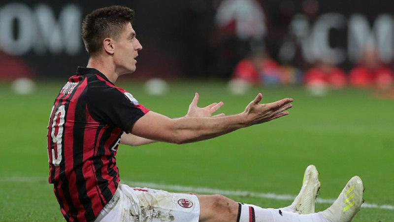 Krzysztof Piatek tidak berdaya melihat AC Milan disingkirkan Lazio, Kamis (25/04/19), Emilio Andreoli/Getty Images. Copyright: Emilio Andreoli/Getty Images