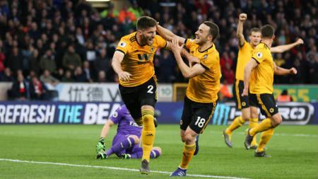 Wolverhampton Wanderers mengajukan komplain kepada UEFA perihal perlakuan kurang menyenangkan yang dialami suporter mereka saat menonton laga Liga Europa. - INDOSPORT