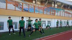 Indosport - Proses Seleksi Timnas Indonesia U-19 di Stadion Wibawa Mukti, Cikarang (25-04-2019). Foto: Shintya Anya Maharani/INDOSPORT