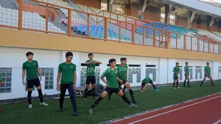 Proses Seleksi Timnas Indonesia U-19 di Stadion Wibawa Mukti, Cikarang (25-04-2019). Foto: Shintya Anya Maharani/INDOSPORT - INDOSPORT