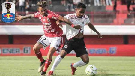 Stefano Lilipaly tengan duel dengan Ramdani Lestaluhu di 8 besar Piala Indonesia. - INDOSPORT