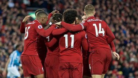 Skuat Liverpool bersiap memulai pertandingan babak kedua melawan Huddersfield Town pada pekan ke-36 Liga Primer Inggris, Sabtu (27/04/19). - INDOSPORT