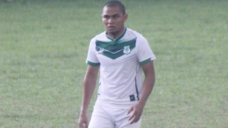 Aldino Herdianto saat mengenakan seragam PSMS Medan di sesi latihan. - INDOSPORT