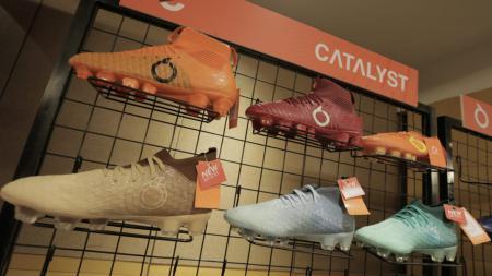 Sepatu Ortus Eight - INDOSPORT