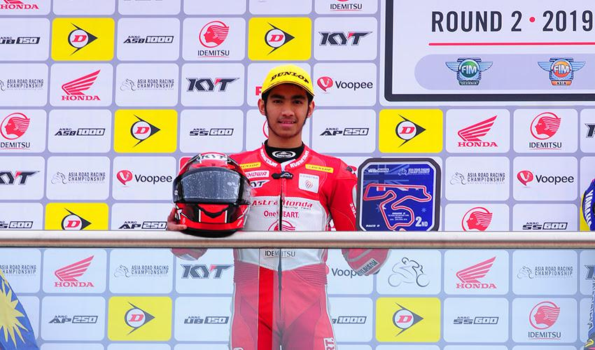 Andi Gilang naik podium Asia Road Race Championship 2019 di Australia Copyright: Astra Honda Racing team