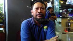 Indosport - General Coordinator Panpel Persib, Budi Bram Rachman di Graha Persib, Jalan Sulanjana, Kota Bandung, Selasa (30/4/19).