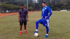 Indosport - Esteban Vizcarra memiliki kemungkinan dimainkan Robert Rene Alberts dalam laga Persib Bandung vs Madura United.