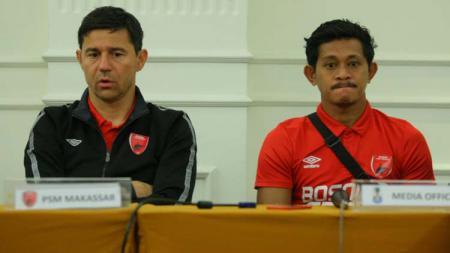 Pelatih Darije Kalezic (kiri) dan Rizky Pellu dalam jumpa pers PSM Makassar jelang melawan Bhayangkara FC di leg kedua Piala Indonesia. - INDOSPORT