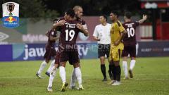 Indosport - Selebrasi pemain PSM Makassar, Rizky Pellu usai membobol gawang Bhayangkara FC pada leg kedua babak delapan besar Kratingdaeng Piala Indonesia (03-05-2019). Herry Ibrahim/INDOSPORT