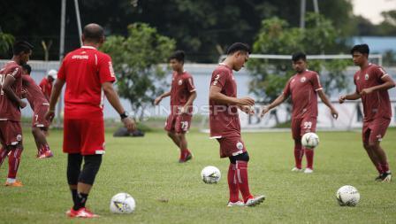 Dilatihan kali ini hadir dua pemain dari Persija U-20 dan satu pemain yang trial saat latihan Persija Jakarta jelang leg kedua babak 8 besar Piala Indonesia lawan Bali United di Lapangan PS AU TNI Halim Perdanakusuma, Jakarta Timur, Jumat (03/05/19).