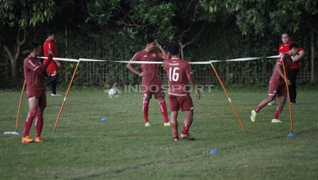 Pemain yang tampil di laga AFC lawan Becamex Rabu lalu, berlatih terpisah pada latihan Persija Jakarta jelang leg kedua babak 8 besar Piala Indonesia lawan Bali United di Lapangan PS AU TNI Halim Perdanakusuma, Jakarta Timur, Jumat (03/05/19).