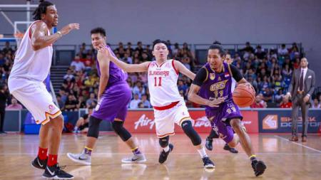 Situasi pertandingan CLS Knights Indonesia vs Singapore Slingers di ABL 2019. - INDOSPORT