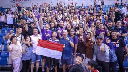 Knights Society,  pendukung CLS Knights Indonesia pada laga melawan Singapore Slingers di ABL 2019. - INDOSPORT