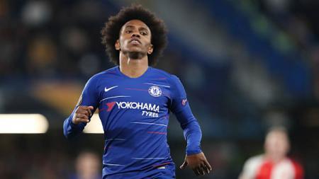 Willian, pemain bintang Chelsea yang nasibnya bakal ditentukan oleh sang pelatih sekaligus legenda klub, Frank Lampard. - INDOSPORT