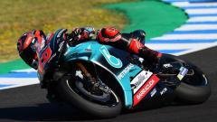 Indosport - Fabio Quartararo mengaku kesal dengan Yamahayang tak mau menuruti instruksinya untuk menambah kecepatan mesin YZR-M1