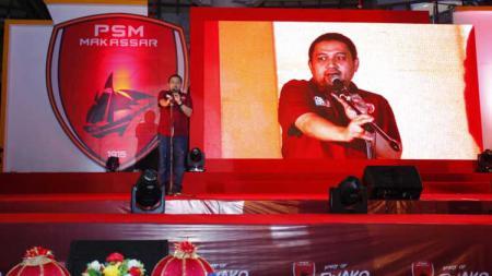 CEO PSM Makassar, Munafri Arifuddin memberikan pidato di acara peluncuran jersey baru. - INDOSPORT
