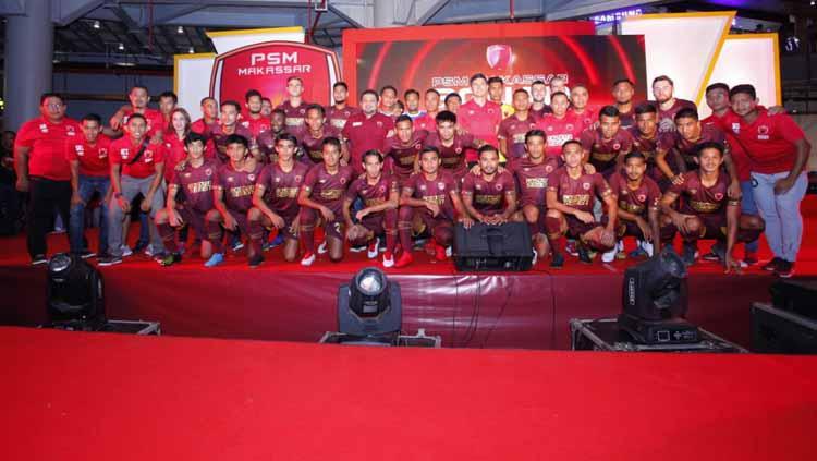 PSM Makassar akhirnya memamerkan jersey terbarunya untuk mengarungi Liga 1 musim 2019 ini. Copyright: PSM Makassar